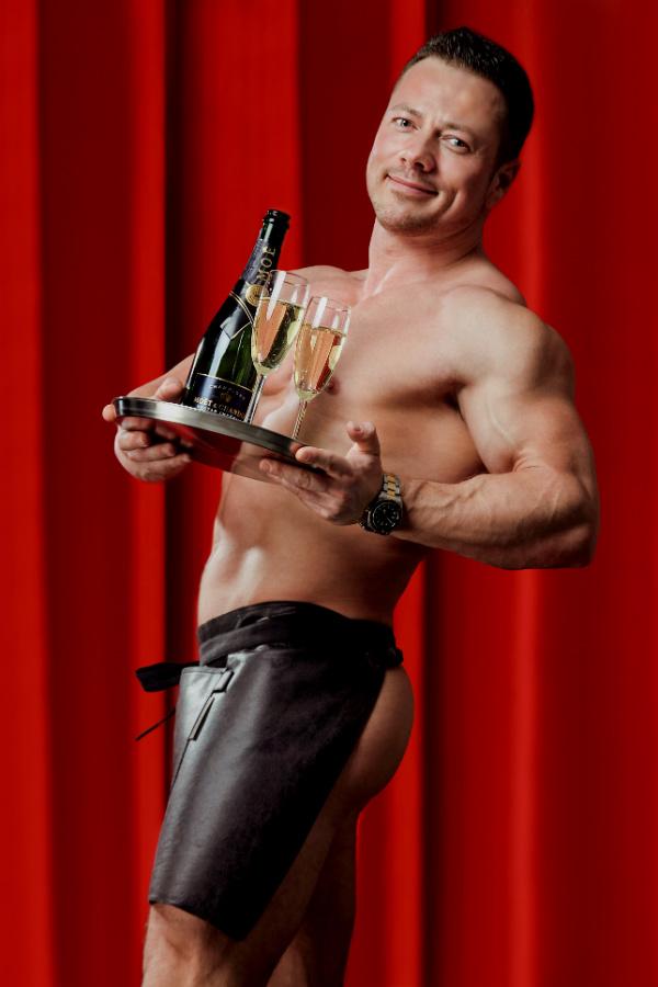 Morgenbollefyr med champagne